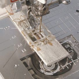 Knapphålsfot transparent - B (G1)